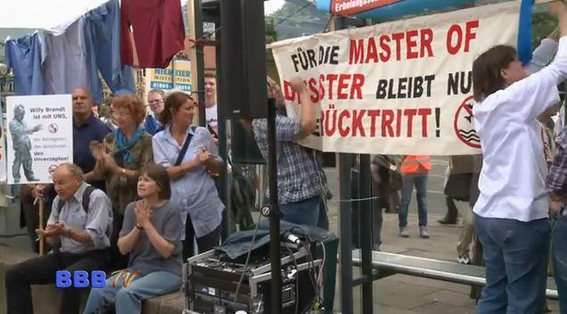 """""""… und eine kleine Demonstration gabs auch noch."""" meinte der RBB wörtlich über die Aktion der Friedrichshagener Bürgerinitiative. Wir zeigen, wie es wirklich war. Interviews mit vielen Prominenten und geladenen […]"""